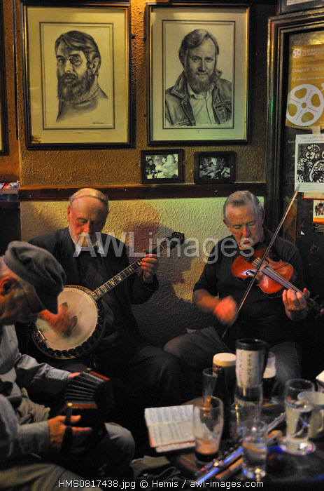 Ireland, Dublin, Merrion row, O'Donoghue's pub, Live irish music