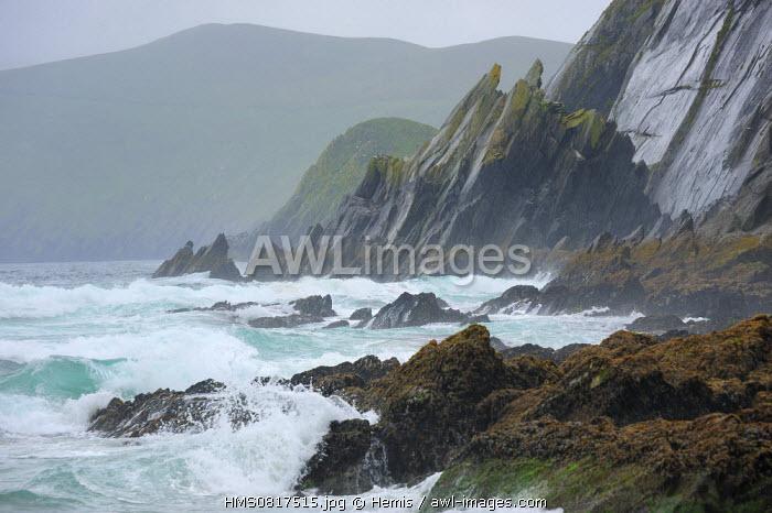 Ireland, County Kerry, Dingle peninsula, Slea Head, Stormy day
