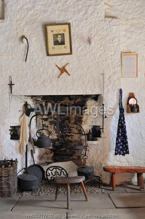 Ireland, County Donegal, Glencolumbkille (Glencolmcille), Folk village museum, Killanad cottage (circa 1850)