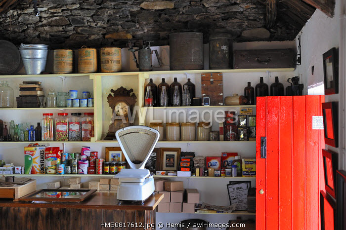 Ireland, County Donegal, Glencolumbkille (Glencolmcille), Folk village museum, The Grocery