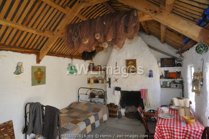 Ireland, County Donegal, Glencolumbkille (Glencolmcille), Folk village museum, Fisherman's cottage