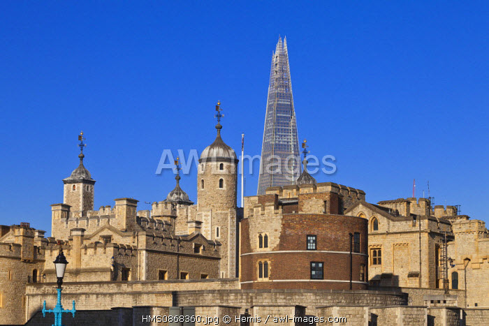 United Kingdom, London, the City, the Tower of London and the Shard London Bridge Tower by architect Renzo Piano, the tallest tower in London