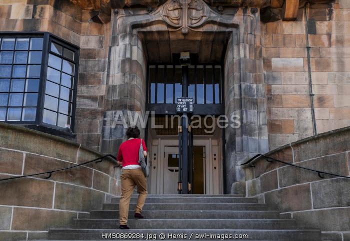 United Kingdom, Scotland, Glasgow, downtown, main entrance of amous Glasgow Art School by Mackintosh
