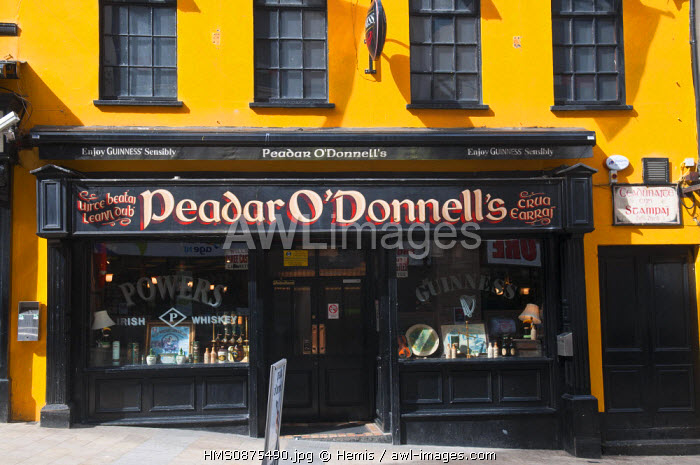 United Kingdom, Northern Ireland (Ulster), Derry county, Derry or Londonderry, old city, Peadar O'Donnell's pub