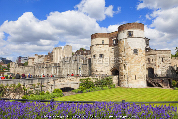 England, London, Tower of London, The Middle Tower Entrance Gate