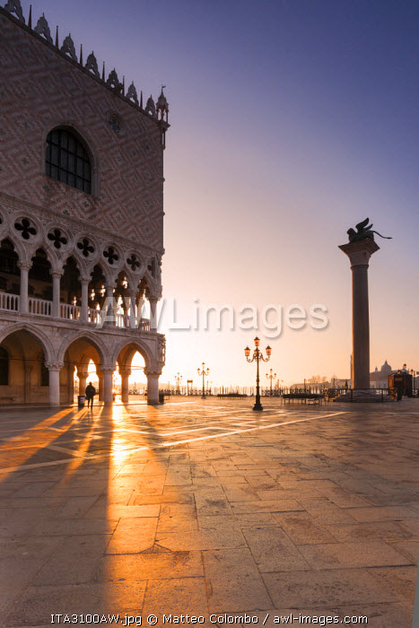 Italy, Venice. Doges palace and piazzetta San Marco at sunrise