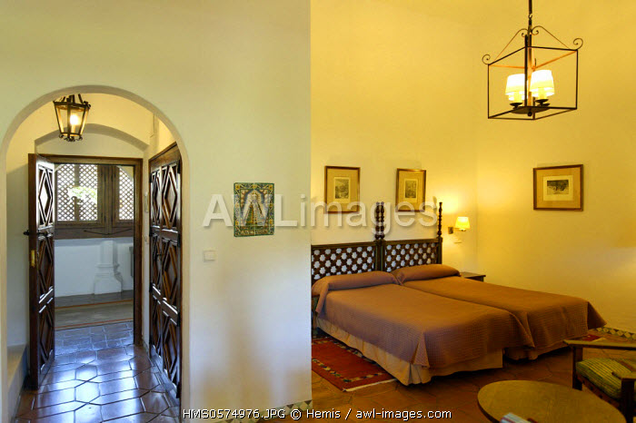 Spain, Extremadura, Guadalupe, Parador of Tourism, bedroom