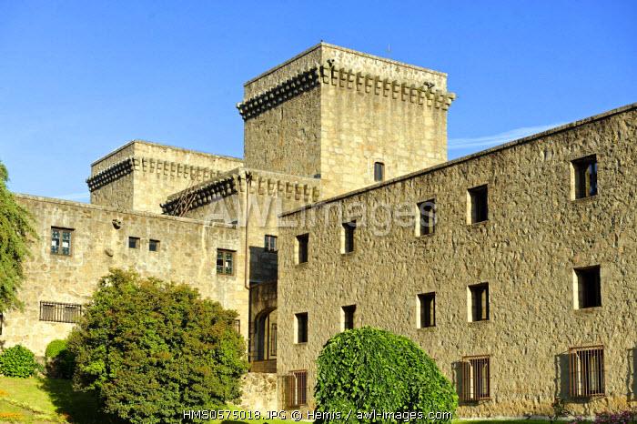 Spain, Extremadura, Jarandilla de la Vera, medieval castle of the 15th century was the home of Carlos V and transformed now into a Parador of Tourism