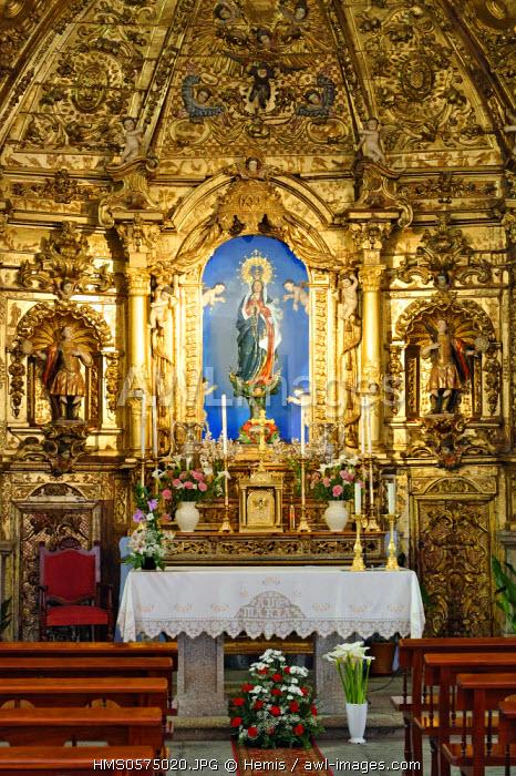 Spain, Extremadura, Jarandilla de la Vera, hermitage of Nuestra Senora del Sopetran, rococo altarpiece installed on a stone bench