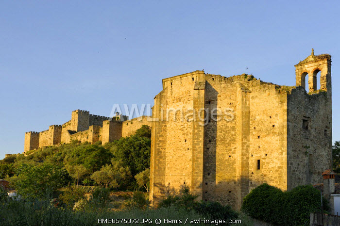 Spain, Extremadura, Trujillo, church before the walls of the castle built in the 10th century on the hills above the city