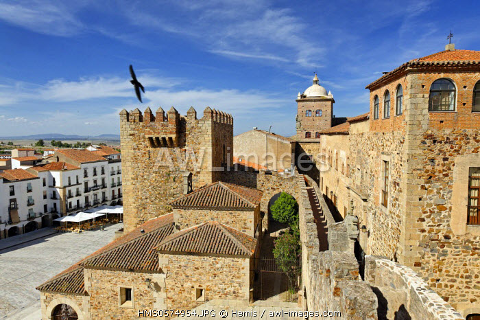 Spain, Extremadura, Caceres, old town listed as World Heritage by UNESCO, the city walls with the Hermitage of Peace in the background seen from the Arc de Estrella