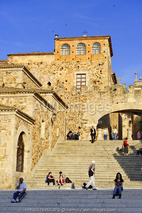 Spain, Extremadura, Caceres, old town listed as World Heritage by UNESCO, plaza Mayor, staircase of the Arc of Estrella