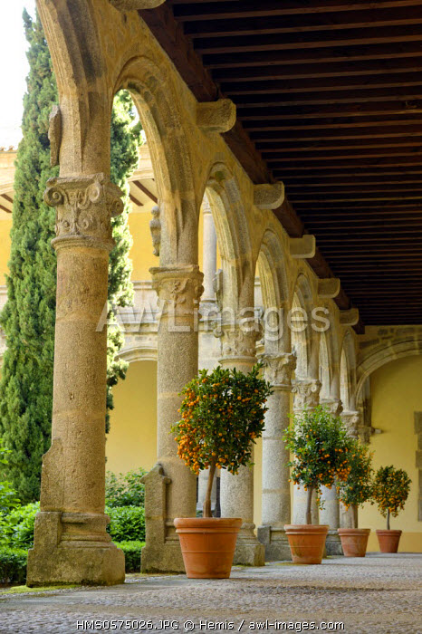 Spain, Extremadura, Cuacos Yuste, Monastery of Yuste, cloister around a central courtyard
