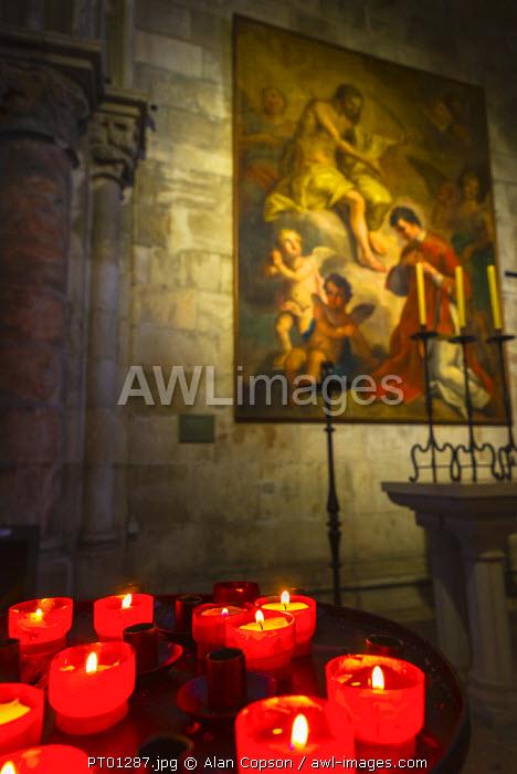 Portugal, Lisbon, Alfama District, Lisbon Cathedral (S� de Lisboa), Painting is Christ appearing to Saint Vicente by Pedro Alexandrino de Carvalho
