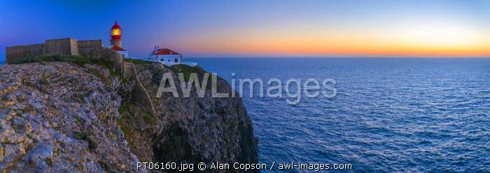 Portugal, Algarve, Sagres, Cabo de Sao Vicente (Cape St. Vincent), Lighthouse