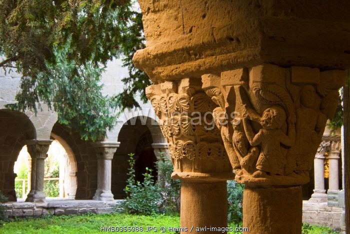 Spain, Catalonia, Sant Fruitos de Bages, the monastery of St. Benet de Bages, the Roman cloister