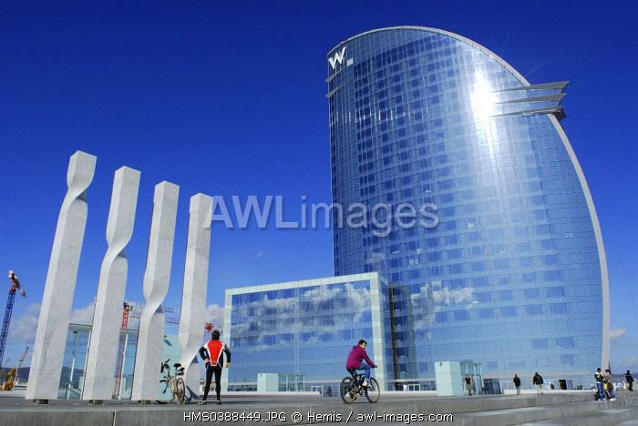 Spain, Catalonia, Barcelona, W Barcelona Hotel, by the architect Ricardo Bofill, on the seafront in the Barceloneta aera, Placa de la Rosa del Vents 10
