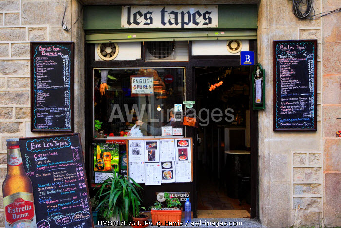 Spain, Catalonia, Barcelona, tapas bar