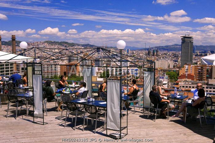 Spain, Catalonia, Barcelona, restaurant bar in Montjuic Hill