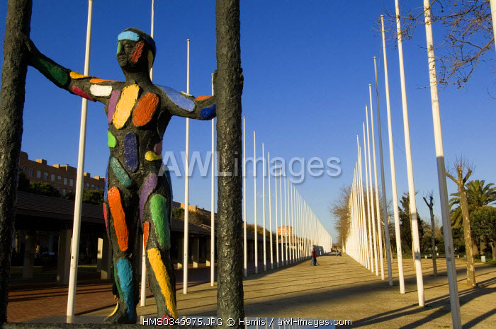 Spain, Catalonia, Barcelona, Port Olympic District, statue