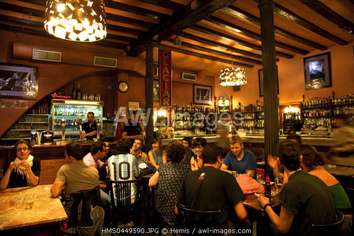 Spain, Catalonia, Barcelona, Ramblas District, Plaza Reial, Glaciar Bar