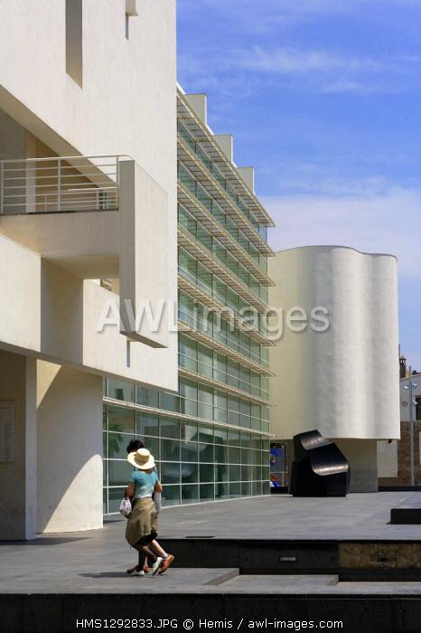 Spain, Catalonia, Barcelona, Raval area, MACBA, Museum of Contemporary Art (Museu d'Art Contemporani)