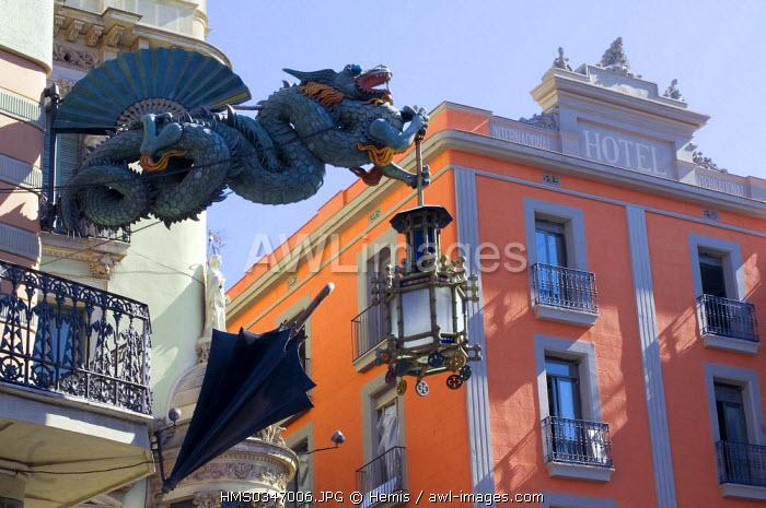 Spain, Catalonia, Barcelona, Las Rambla, La Casa dels Paraig�es, old Liberty style (Catalan Art Nouveau) dragon