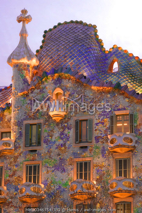 Spain, Catalonia, Barcelona, Eixample District, the Casa Battlo (Battlo House) by the architect Antoni Gaudi at 43 Passeig de Gracia, listed as World Heritage by UNESCO