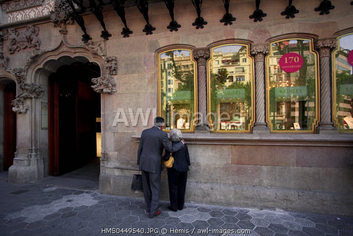 Spain, Catalonia, Barcelona, Eixample District, Art Nouveau, Liberty, Modernism building, Casa Amatller by Catalan Architerct Josep Puig i Cadafalch, Bagu�s-Masriera jewelry