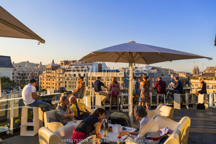 Spain, Catalonia, Barcelona, Eixample district, the terrace of the Hotel Condes