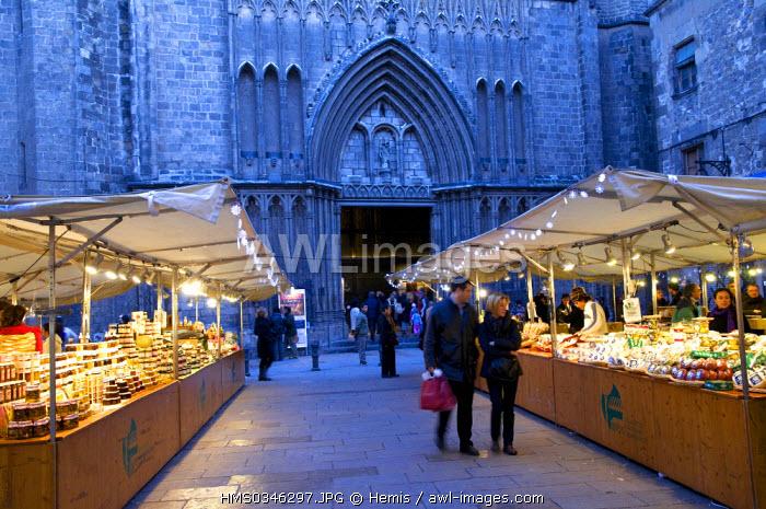 Spain, Catalonia, Barcelona, Christmas celebrations, Barri Gotic District, Placa del Pi Square, Esglesia del Pi church and Christmas delicatessen