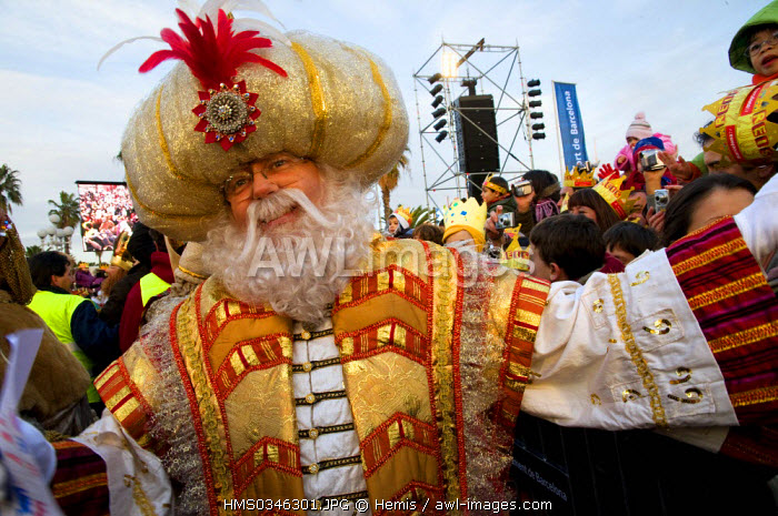 Spain, Catalonia, Barcelona, Christmas celebrations, parade of the Three Wise Kings from the East, on the 5th of January, they bring presents to children in Spain, King Melcior