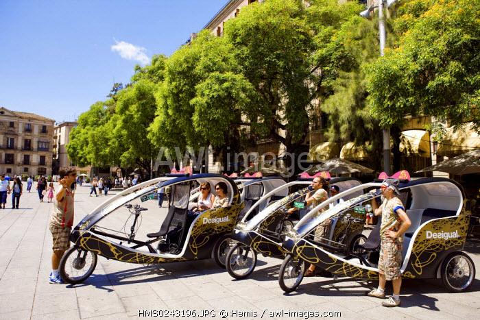 Spain, Catalonia, Barcelona, Barri Gotic District, Avinguda de la Catedral, taxi bike