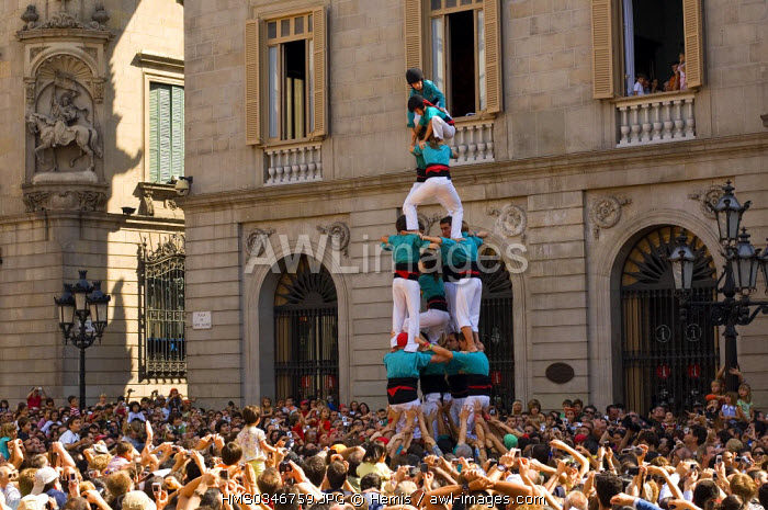 Spain, Catalonia, Barcelona, Barri Gotic District, Placa Sant Jaume, Merc� Fair, Castellers, Traditional Catalonian Human Castles