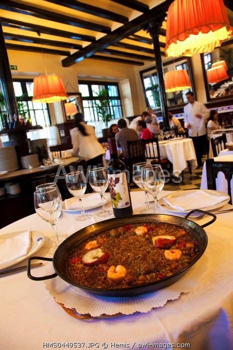 Spain, Catalonia, Barcelona, Barceloneta District, Les 7 Portes Restaurant