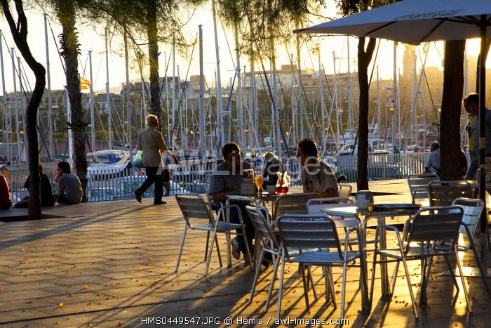 Spain, Catalonia, Barcelona, Barceloneta District, Harbour at Moll de la Fusta, Bar