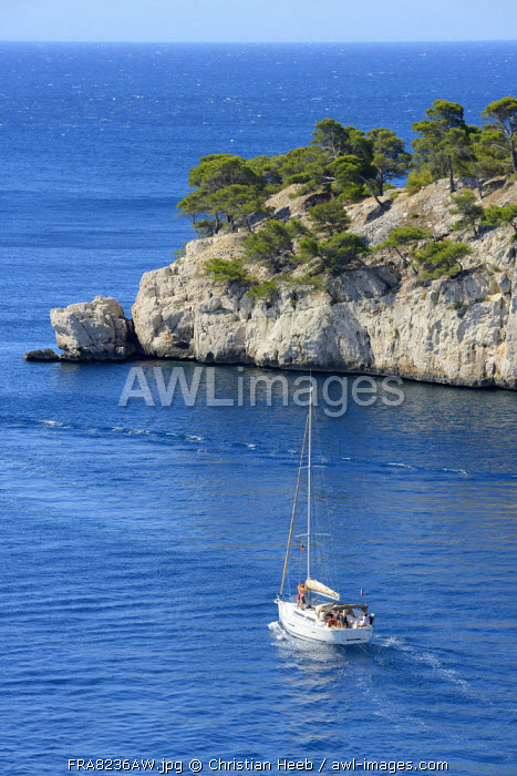 Sailing of the coast of Cassis, Provence Alpes Cote d'Azur, Provence, France, Europe