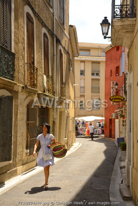 Saturday market, Apt, Provence Alpes Cote d'Azur, Provence, France, Europe