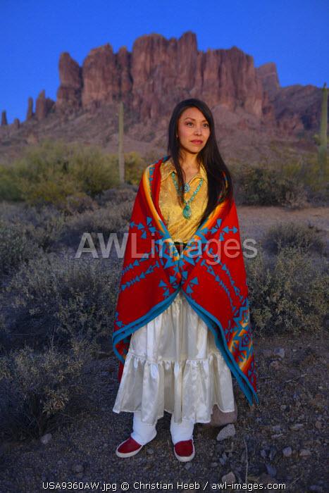 Navajo woman at Lost Dutchman State Park, Phoenix, Arizona, USA