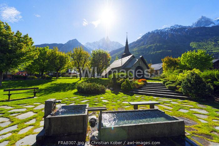 Europe, France, Haute Savoie, Rhone Alps, Chamonix Valley,  church in Les Praz