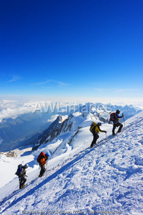 Europe, France, Haute Savoie, Rhone Alps, Chamonix Valley, Mont Blanc 4810m, climbers on Mt Blanc