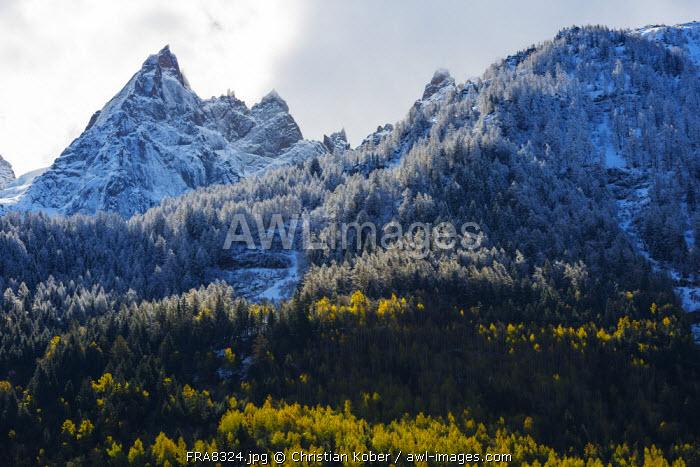 Europe, France, Haute Savoie, Rhone Alps, Chamonix Valley, spring snow