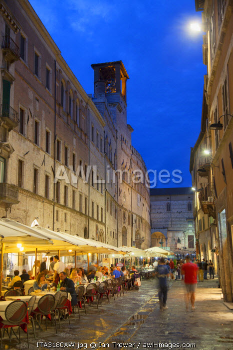 Outdoor restaurants on Corso Vannucci at dusk, Perugia, Umbria, Italy