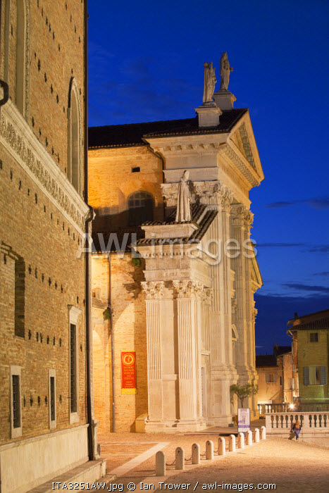 Duomo (Cathedral) at dusk, Urbino (UNESCO World Heritage Site), Le Marche, Italy
