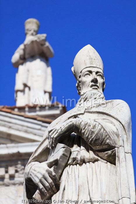 Statue outside Duomo (Cathedral), Urbino (UNESCO World Heritage Site), Le Marche, Italy