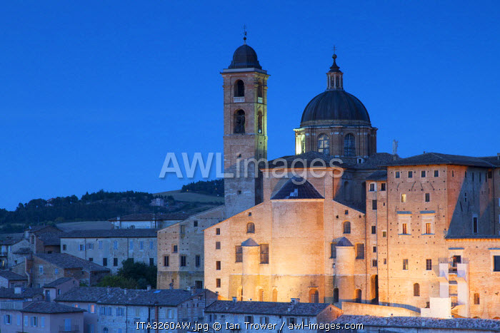 View of Duomo (Cathedral) at dusk, Urbino (UNESCO World Heritage Site), Le Marche, Italy
