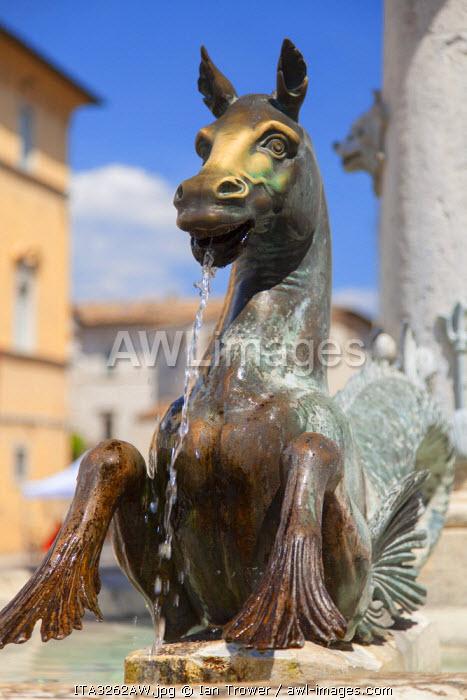 Fountain in Piazza Arringo, Ascoli Piceno, Le Marche, Italy
