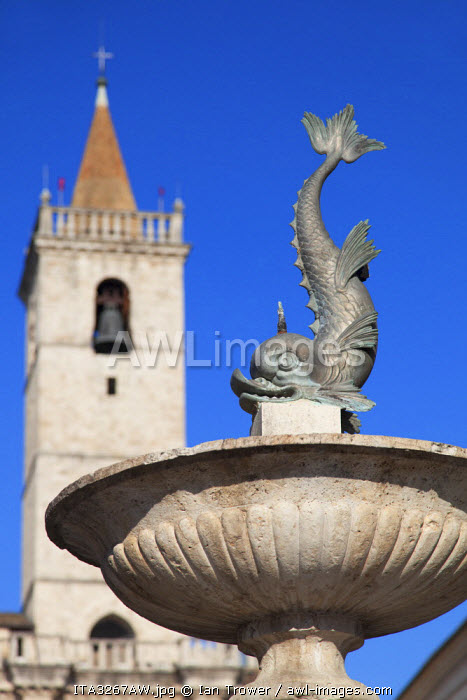 Fountain and Duomo (Cathedral) in Piazza Arringo, Ascoli Piceno, Le Marche, Italy