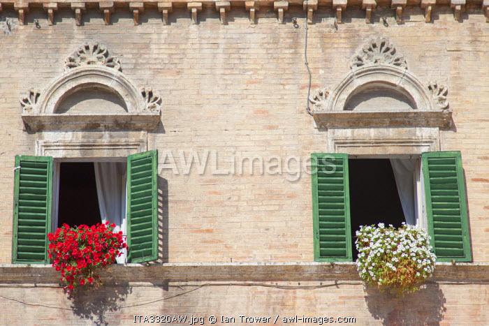 Building in Piazza del Popolo, Ascoli Piceno, Le Marche, Italy