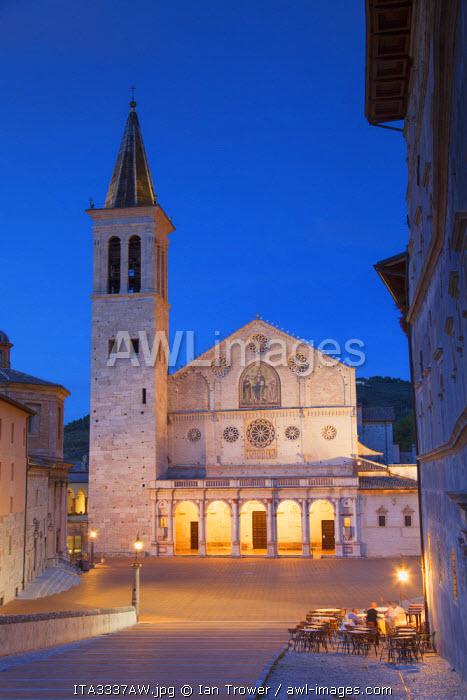 Duomo (Cathedral) in Piazza del Duomo at dusk, Spoleto, Umbria, Italy